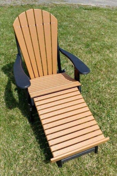 Fan Back Folding Chair with Leg Rest